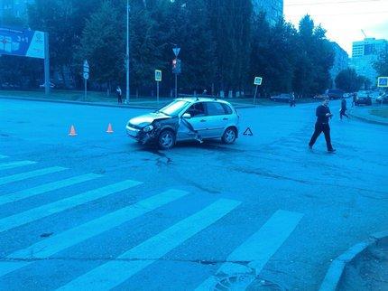 ВУфе из-за столкновения Лада и БМВ пострадали пешеходы