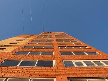 ВСтерлитамаке маленькая девочка выпала изокна 3-го этажа