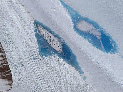 Ученые обеспокоены возникновением 8 тыс. голубых озер вАнтарктиде