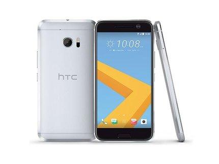 В Российской Федерации обрушилась цена нафлагманский смартфон HTC 10