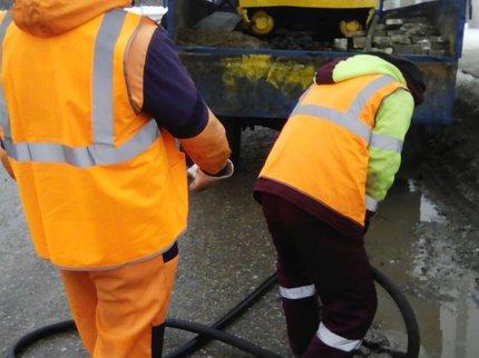 ВУфе приступили кямочному ремонту дорог