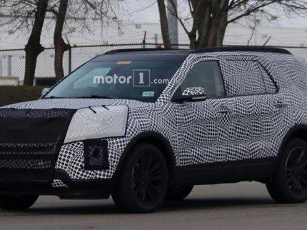 Обновленный тип джипа Форд Explorer проходит дорожные тесты