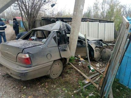 ВБашкирии нетрезвый шофёр врезался встолб иубил пассажирку