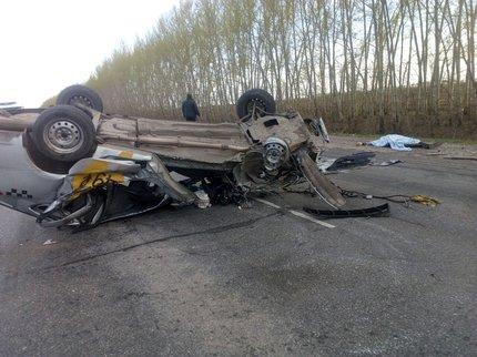 ВБашкирии шофёр «Гранты» разбился встолкновении с 2-мя «ГАЗелями»
