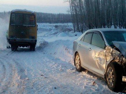 ВБашкирии натрассе втемноте столкнулись иностранная машина иавтобус