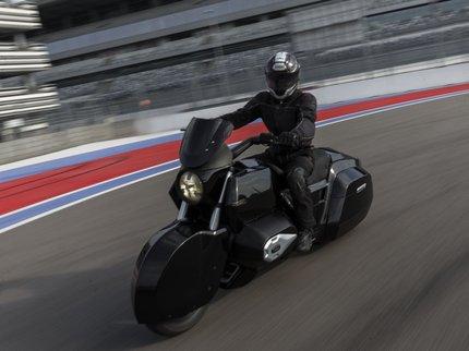 Самый новый мотоцикл предприятия «Калашников» встает на дорогу «Формулы-1»