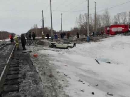 При столкновении поезда илегкового автомобиля вБашкирии погиб человек