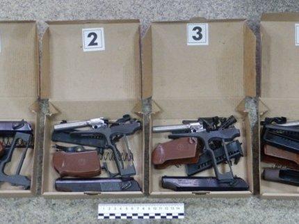 ВБашкирии пенсионер переделывал травматические пистолеты вбоевые