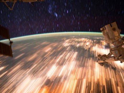 Зеленый нимб: астронавт продемонстрировал «щит» Земли