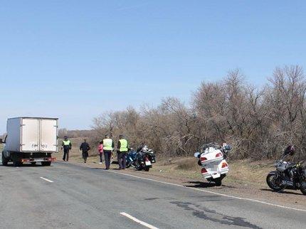 Оренбурженка пострадала встолкновении 2-х мотоциклов и«четырнадцатой»