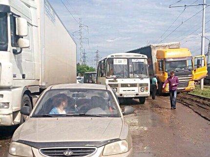 ВУфе столкнулись автобус с30 пассажирами и иностранная машина, есть пострадавшие