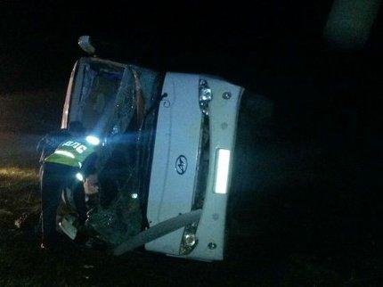 Пассажирский автобус опрокинулся вкювет вБашкирии, есть пострадавшие