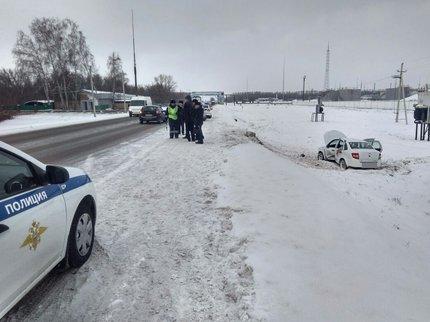 На автотрассе Уфа-Оренбург снегоуборочный КамАЗ насмерть сбил женщину