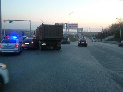 ВУфе встолкновении грузового автомобиля и«легковушки» пострадал ребёнок