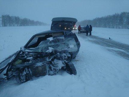 ВБашкирии два водителя погибли при столкновении авто